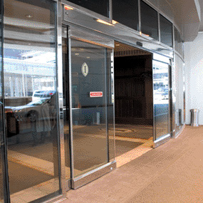Make Your Business Stand Out With Commercial Glass Doors
